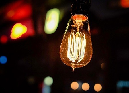 Six Tips on Saving Money on Your Electricity Bill